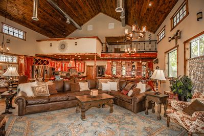 1200'' Great Room