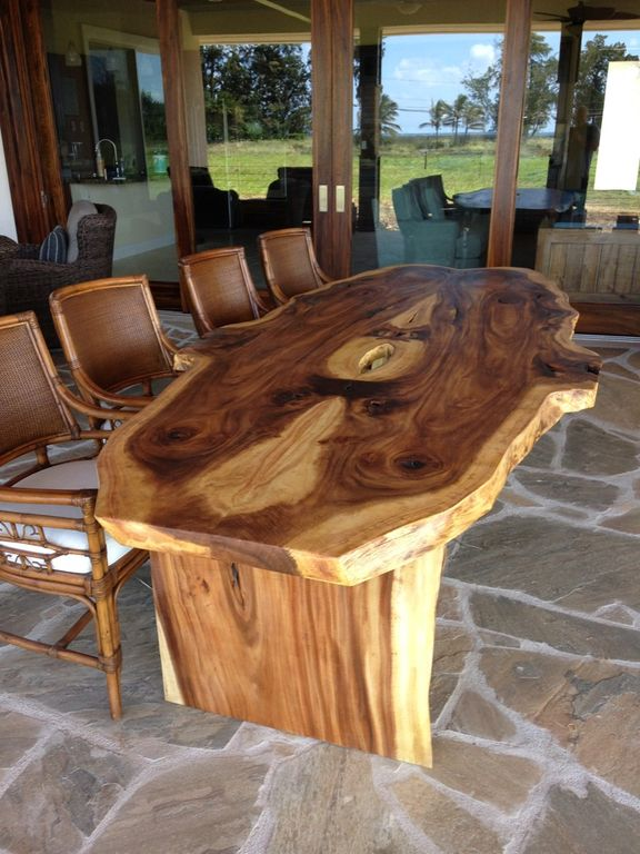 Beautifully Handcrafted Monkey Pod Table For Your Outdoor Gatherings