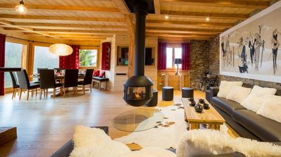 Photo for Beautiful luxury chalet with spa and sauna, at the foot of the slopes and in the center of the village
