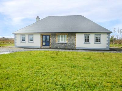 Photo for CUILMORE HOUSE, family friendly in Gorteen, County Sligo, Ref 957249
