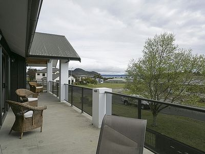 Photo for Lake Magic - Motuoapa Holiday Home