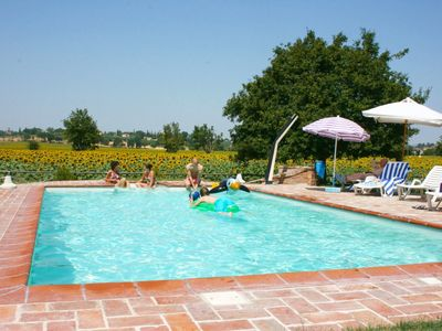 Photo for Private Villa with private pool, WIFI, TV, washing machine, pets allowed, parking, close to Cortona