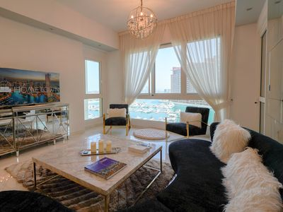 Photo for Dazzling 2 Bedroom apartment