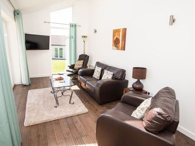 Photo for Luxury 2 Bed cottage - 2BEDHS55