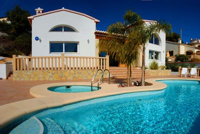 Villa Oleander with its Swimming Pool, Jacuzzi and views over Mediterranean Sea