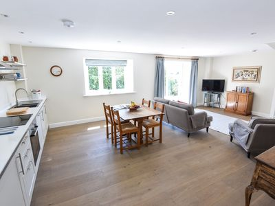 Photo for Tranquil cottage in heart of Cotswolds
