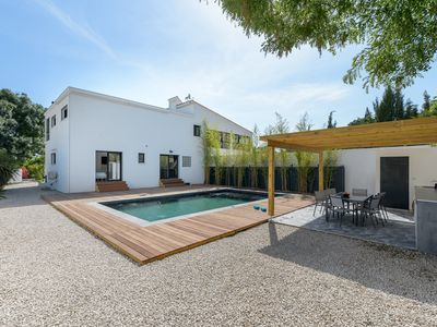 Photo for Contemporary villa with pool