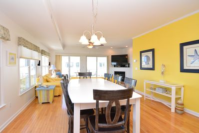 Bon Private Beach With Beautiful Sunsets Kids Bedroom U0026 Entertainment Room    Tower Shores