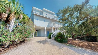 """Photo for Ready To Rent Now! FREE BEACH GEAR! Plantation, Beach View, Pets, Pool, Ping Pong, 5BR/5BA """"Eagle's Landing"""""""