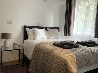 Photo for Cosy Apartment near Southmead Hospital, Airbus, free parking, close to shops