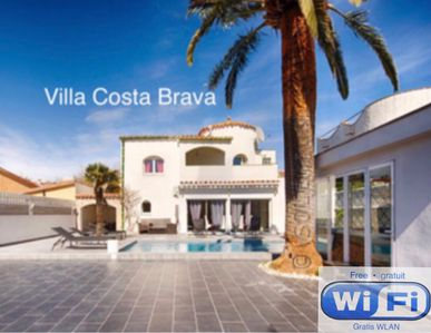 Photo for 5 bedroom contemporary villa with heated pool, whirlpool, hamman, A/C,m and wifi