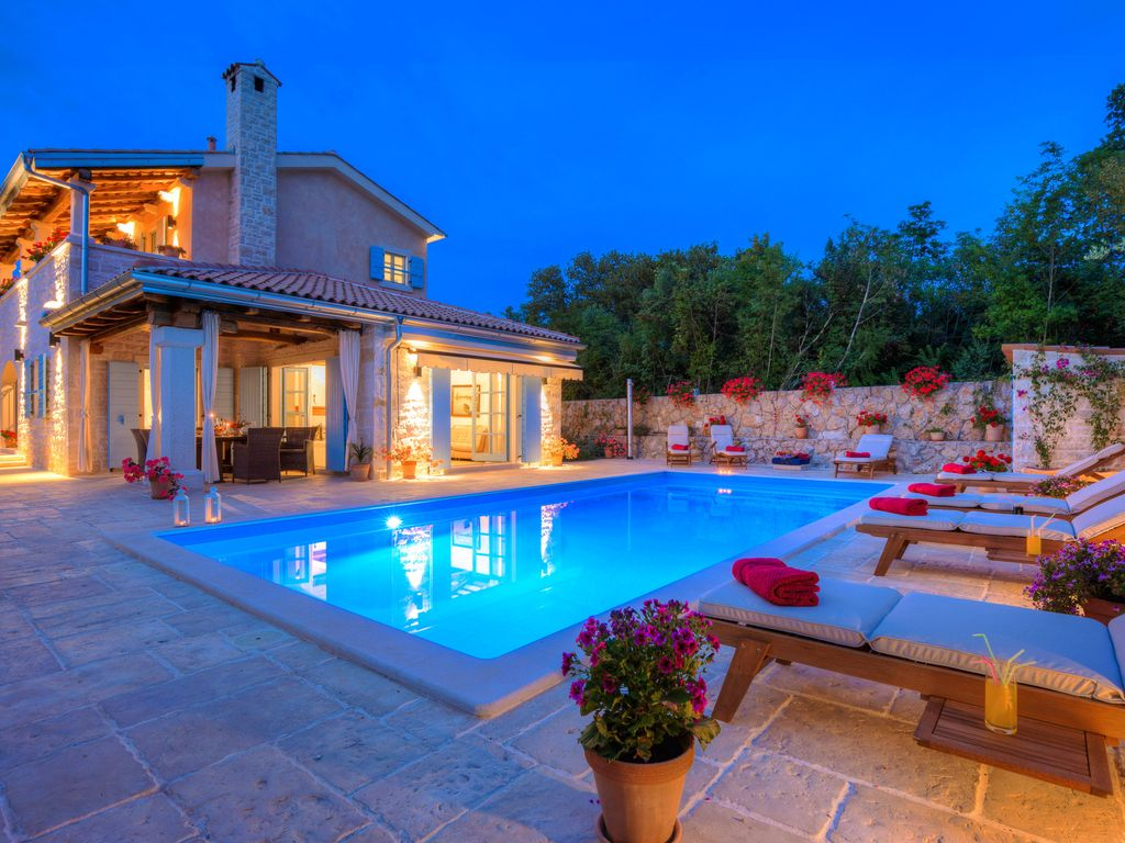 Villa ana with pool brand new 5 luxury authentic for Luxury mediterranean villas