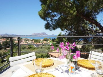Search 411 holiday lettings