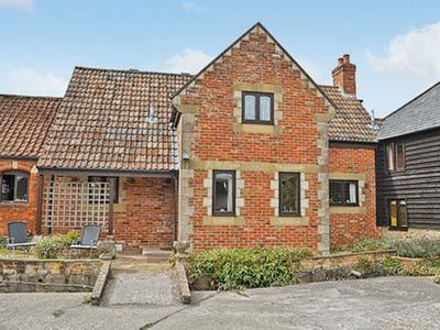 Photo for 3 bedroom property in Warminster. Pet friendly.