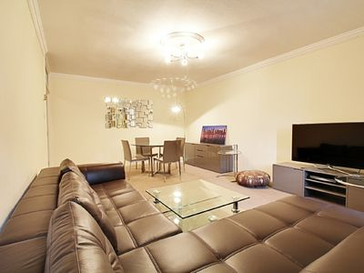 Photo for Spacious 2 Bed Flat On Baker Street