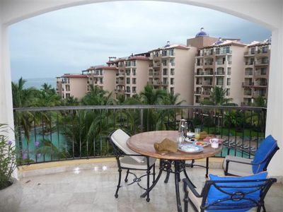 Photo for Luxury 2 BDR Suite in a Tropical Paradise - Beachfront Resort, Pool & Spa