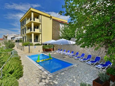 Photo for Cosy apartment for 8 guests with pool, A/C, WIFI, TV, balcony and parking