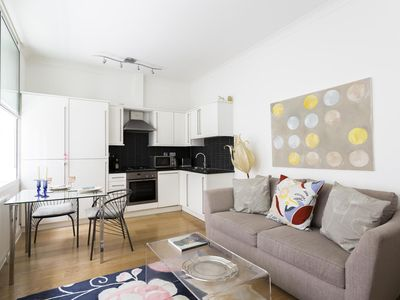 Photo for Villiers Street - luxury 1 bedrooms serviced apartment - Travel Keys