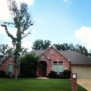 Photo for Large 5 Bedroom Custom Home in Aggie-land, Fantastic location