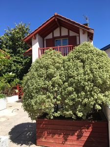 Photo for House 6 pers - 100 m from the Basque Coast and Halles - garage / garden / terrace