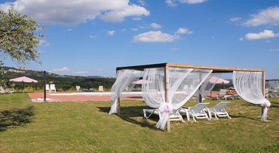 Photo for Farm with swimming pool nestled in the Umbrian hills on the border with Tuscany