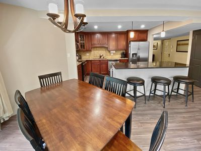 Seating for 6 at dining table and 3 at the counter top