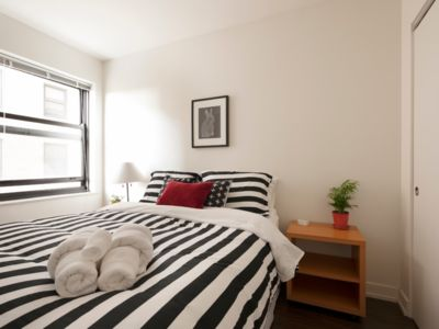 Photo for Newly Renovated 1 BR in Art Deco Architectural Gem, Steps to L & Free Parking