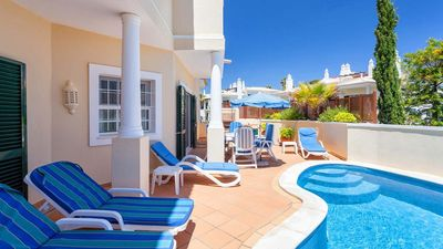 Photo for Beautifully presented, private swimming pool close to Vale do Lobo Tennis Academy. Pool can be heated. J143