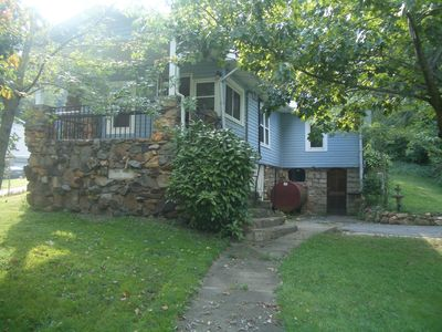 Photo for Magical and Charming Private and Convenient Oasis: Daisy Rock Cottage