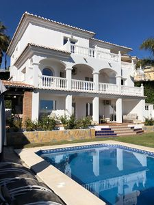 Photo for Luxury villa 5CH heated pool - sea view, close to the beach.
