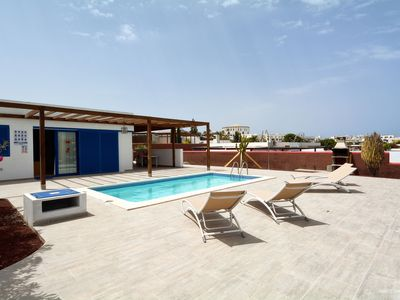 Photo for Detached villa with swimming pool about 500 m from the beach, near Papagayo