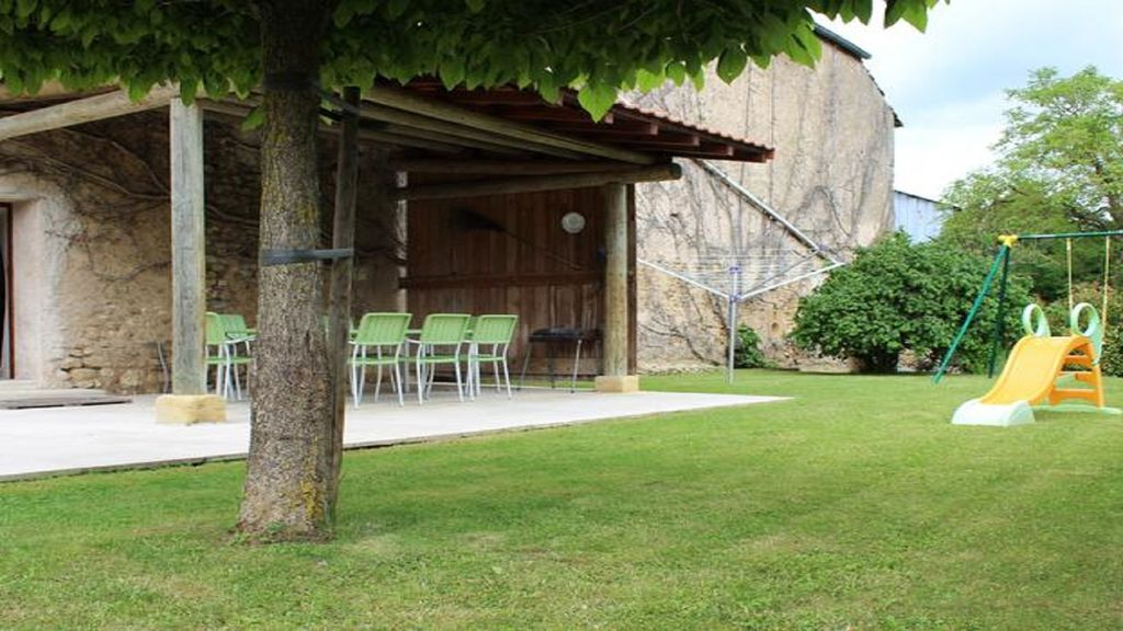 Character cottage situated grand couronne seine maratime for Zoo haute normandie