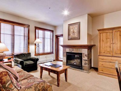 Photo for Walk to town, Close to shopping & dining, Community Hot Tubs & Outdoor Pool