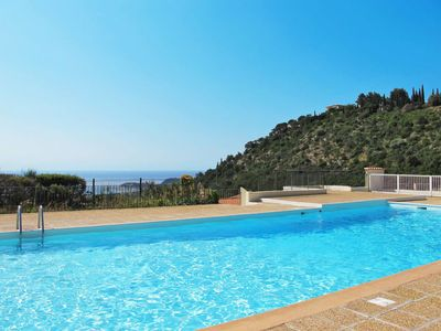 Photo for 3 bedroom Apartment, sleeps 8 in Cavalaire-sur-Mer with Air Con and WiFi