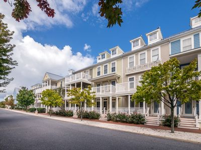 Photo for Spacious 4-Story Townhome in Gated Community - Wi-Fi, Pools, Clubhouse