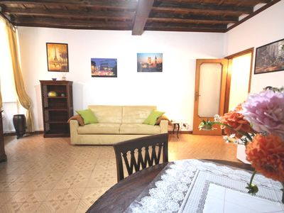 Photo for Lovely apartment in the historic center of Rome ideal for
