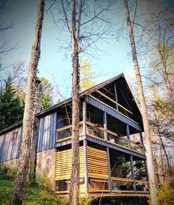 Lake Vista Lodge - Two bedroom cottage with fabulous amenities and Smoky Mountain charm