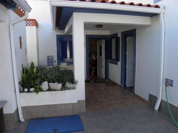 Wonderful Family House 200m2 garden, barbecue and landscapes to relax