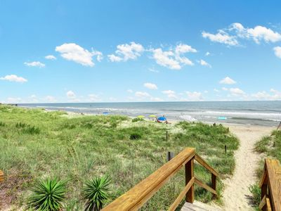 Photo for Oceanfront condo with incredible views and swimming pool