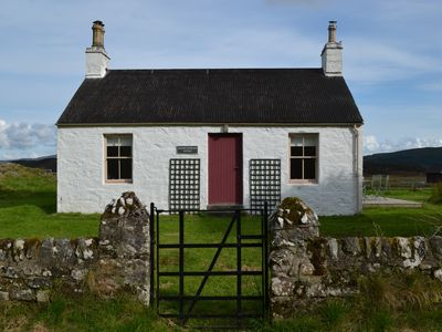 Photo for Charming cottage in an idyllic peaceful location with loch views.