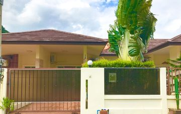 Search 246 holiday rentals