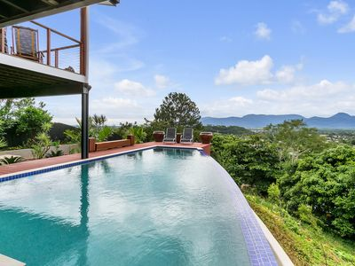 Photo for 1BR Apartment Vacation Rental in Cairns, QLD