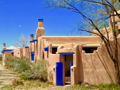 Historic Ranch On The Turquoise Trail, Perfect For Retreats, Reunions & Weddings
