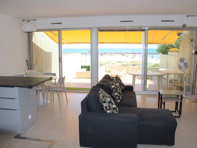 Photo for Appart T3 for 6 people DRC, in front of the sea with private access direct beach