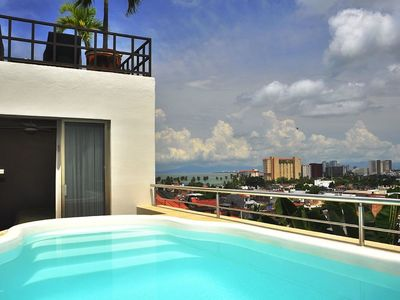 Photo for Romantic zone , ocean view affordable and comfortable Villa!