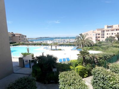 Photo for T2 sea view with pool and parking at the Domaine de La Coudoulière