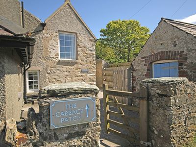 Photo for CABBAGE PATCH, pet friendly, with open fire in Rhoscolyn, Ref 1008951
