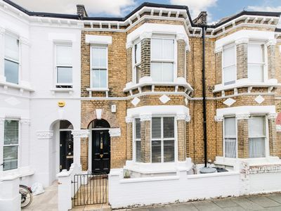 Photo for 1 (and a half!) Bedroom Apartment in Leafy Parsons Green