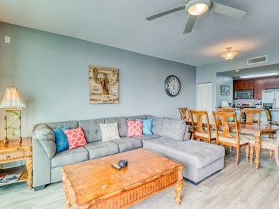 Photo for Condo in luxurious complex with two pools, waterfront exercise room & more