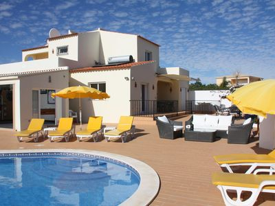 Photo for Villa With Private Pool And Sea Views In Carvoeiro